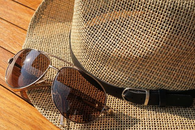 sunglasses-1534893_640